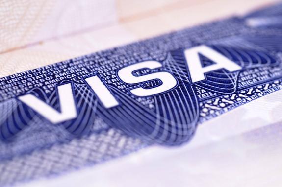Посольство США возобновило выдачу виз россиянам