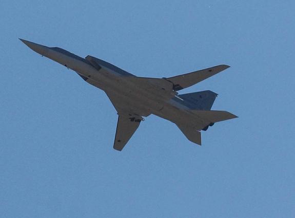Минобороны РФ: ВКС уничтожили бронетехнику ИГ* в Сирии