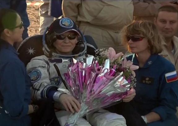 Вернувшийся на Землю  экипаж МКС чувствует себя хорошо