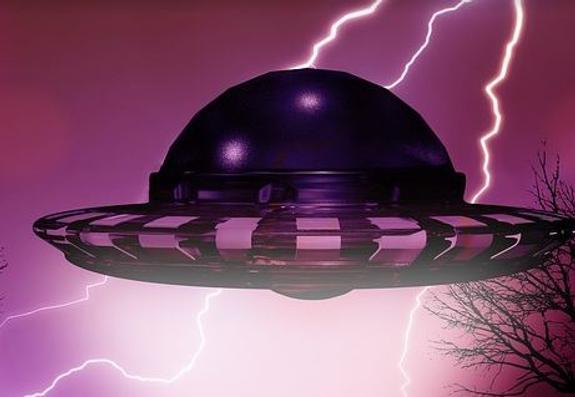Уфологи объяснили, почему НЛО появляются во время грозы