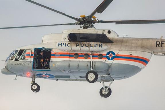 Пострадавшего в ДТП на МКАД ребенка эвакуируют вертолетом