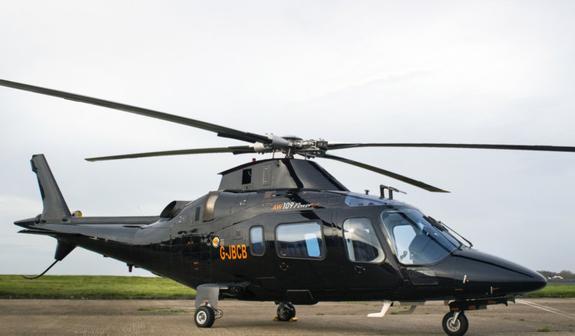 В Бельгии во время авиашоу военный выпал из вертолета