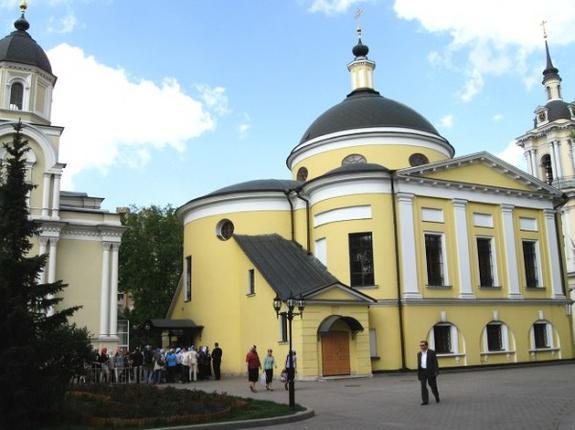 В Москве хулиганы пытались проникнуть в женский монастырь