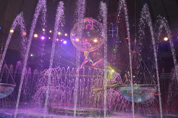 В челябинск приехала цирковая атлантида
