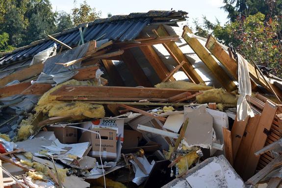 В результате взрыва в пригороде Рима обрушился жилой дом
