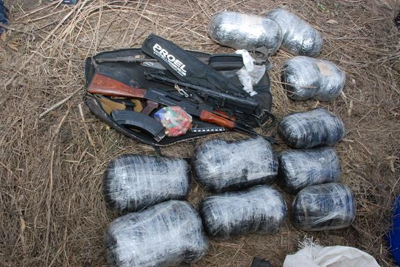 Урюпчанин хранил центнер наркотиков и оружие