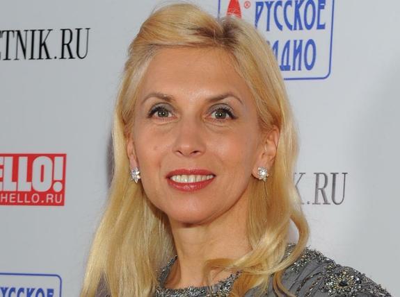 Алена Свиридова продемонстрировала плотный загар и напугала им поклонников