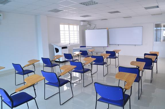 """Голодец: от """"трехсменки""""  в школах удастся уйти в ближайшие три года"""