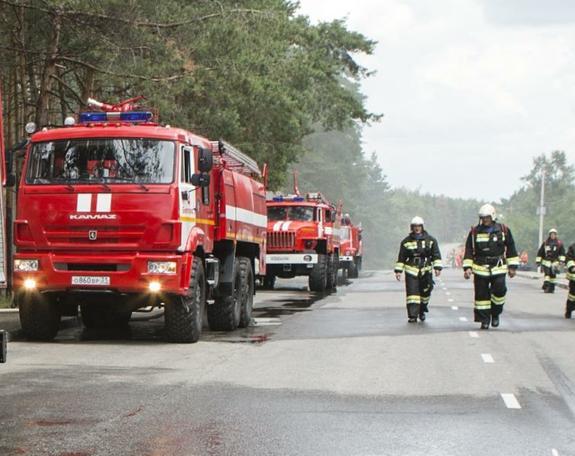Пожар вспыхнул на крыше одного из кафе в центре Москвы