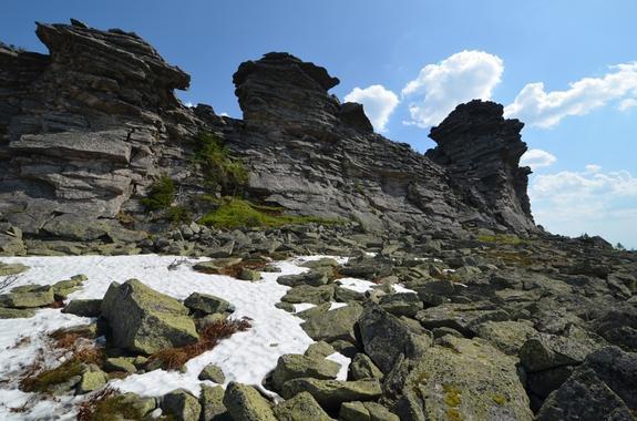 Рядом с перевалом Дятлова нашли рисунки каменного века