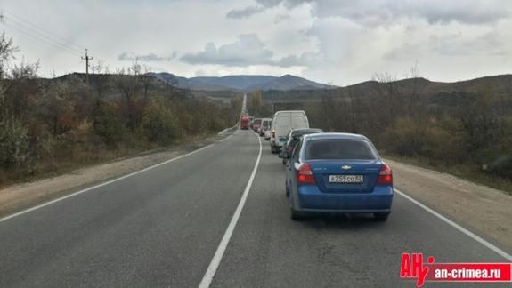 Христиане парализовали движение на керченской дороге