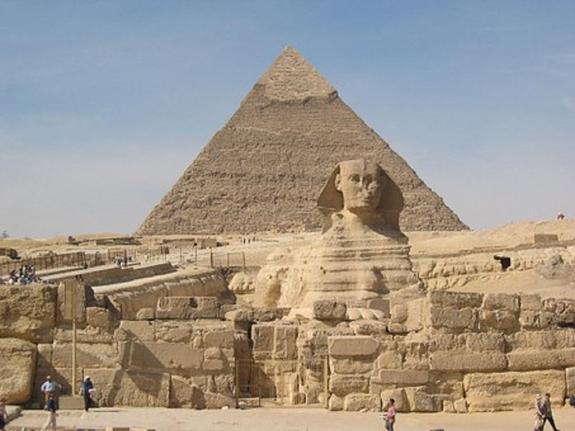 """Ученые обнаружили """"тайную комнату"""" в пирамиде Хеопса"""