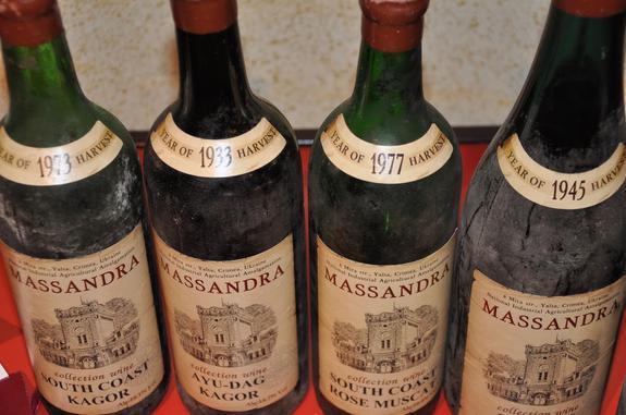 Охранника «Массандры» осудят за  кражу 700 литров напитка