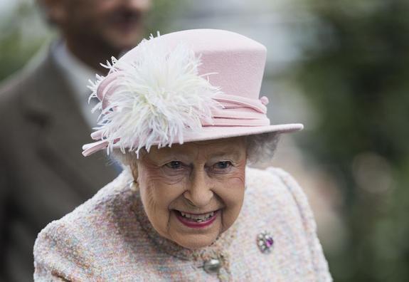 СМИ: скандал с офшорами может подорвать репутацию королевы Елизаветы II
