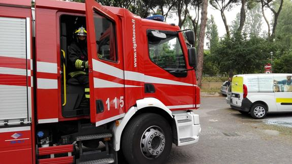 МЧС заявило о готовности вызволить людей из загоревшегося коллектора в Ясенево