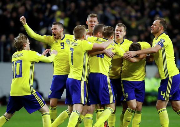 Шведская сборная отпраздновала выход в финал ЧМ-2018 и побрила Гранквиста