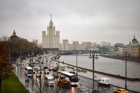 Роспотребнадзор отыскал причину неприятного запаха в Москве