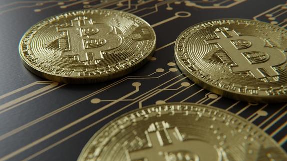 Стоимость биткоина вновь рухнула