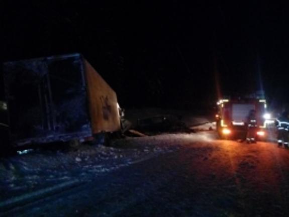 В ДТП под Тихвином погибли 9 человек