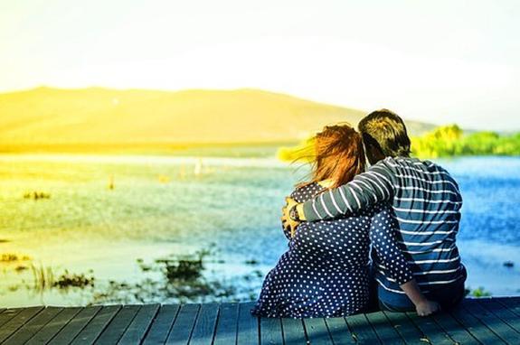Прикосновения любимого человека уменьшают боль