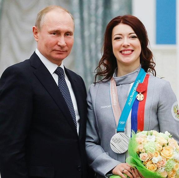 Фигуристка Екатерина Боброва продаст подаренный ей за Игры автомобиль