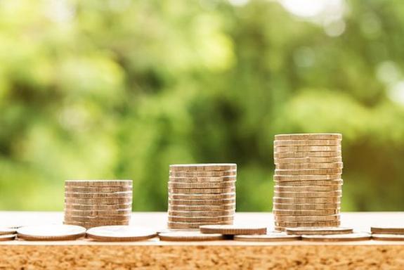 Увеличение зарплаты улучшает здоровье, выяснили ученые