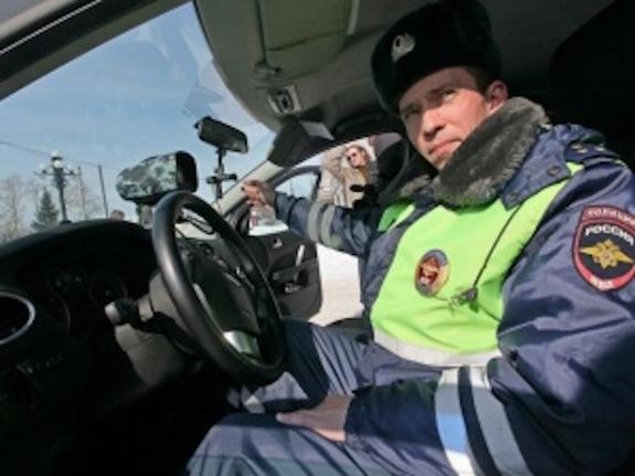 Мужчина украл у гаишников видеорегистратор, который зафиксировал правонарушение
