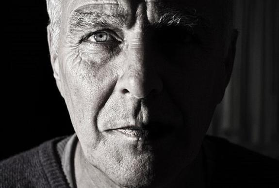 Покрасневшие глаза расскажут о возможных проблемах с памятью