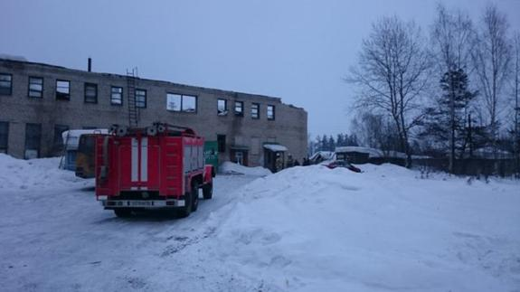В Костромской области из-за снега обрушилась крыша автобусного предприятия