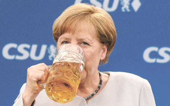 Чтобы остаться у власти, Меркель отдала «полцарства»
