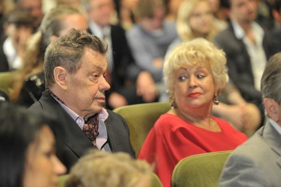 Жена Караченцова хочет познакомиться с любовницей мужа
