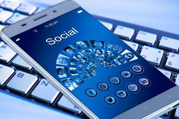 Найден способ читать чужую переписку пользователей соцсетей