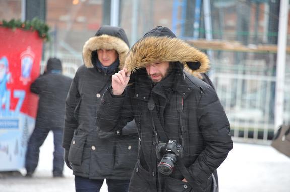 Жителям Урала рекомендуют не покидать дома – ветер может сбить с ног