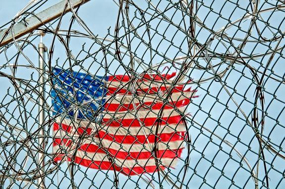 Тюрьмы США становятся все больше похожи на дома престарелых