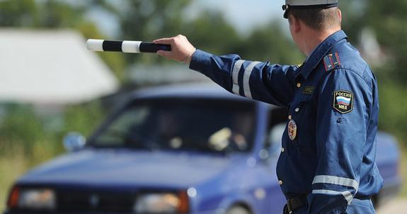 Видео, как инспектор оштрафовал своего коллегу за нарушение ПДД
