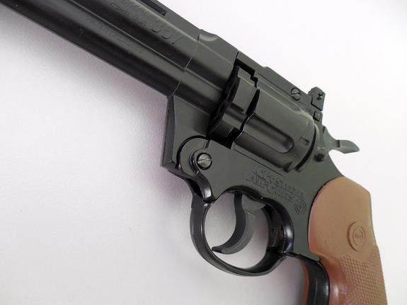 Девочке, устроившей стрельбу в Шадринске в школе, оружие подарил отец