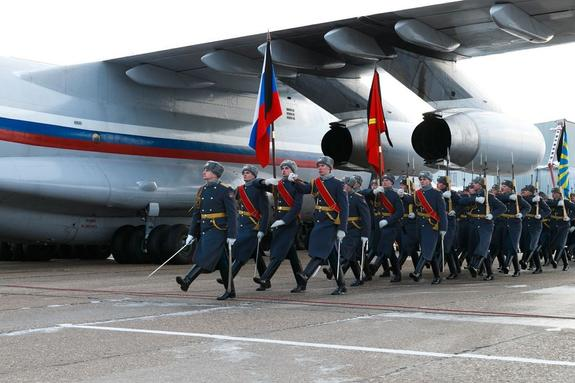 Что покупают российские военнослужащие на авиабазе Хмеймим