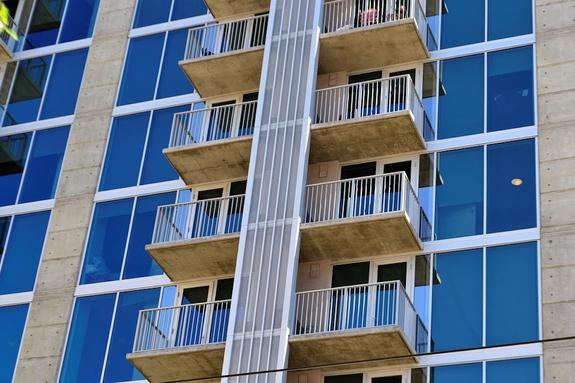 Эксперт высказался о возможности ограничения на регистрацию в квартирах