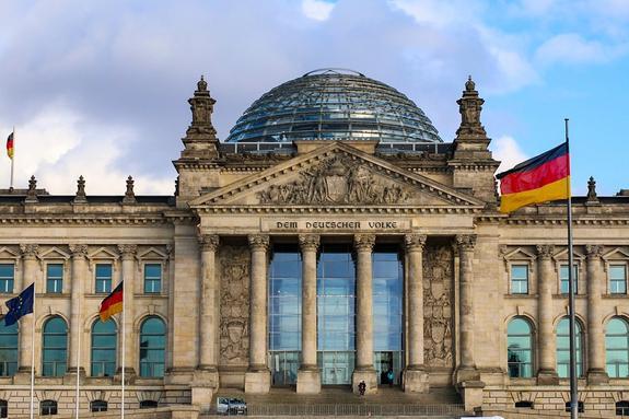 Бундестаг: антироссийские санкции наносят Европе вред