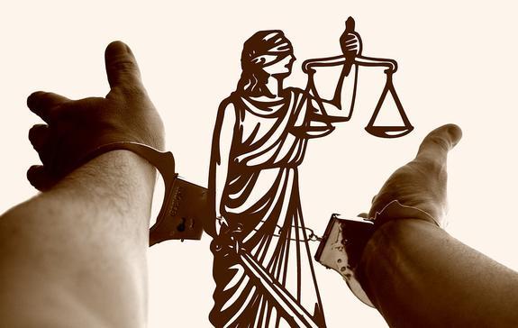 Суд приговорил к 2 годам колонии студента за ДТП, в котором погиб байкер