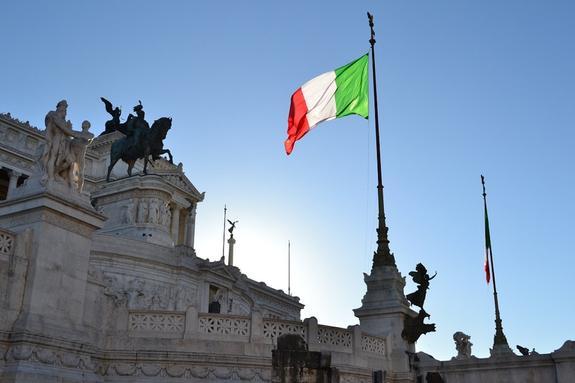 Итальянский политик назвал санкции в отношении России бесполезными