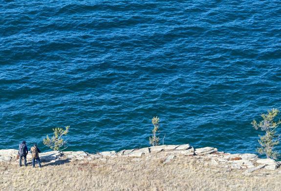 Двое военнослужащих утонули в озере около Североморска