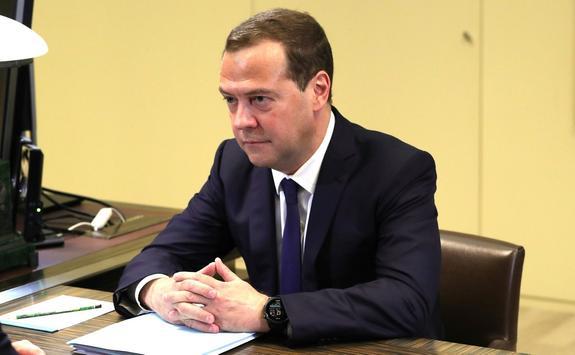 Медведев: Реформа по повышению пенсионного возраста будет поэтапной