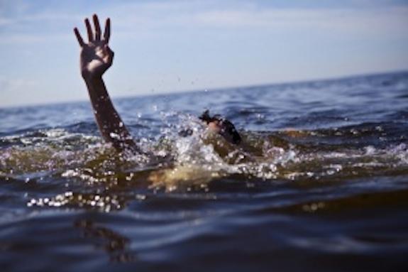 Пять человек погибли при купании в море в Крыму за один день