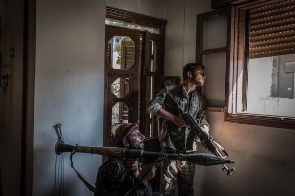 «Адский огонь» воюющих в Сирии боевиков ИГ попал на видео