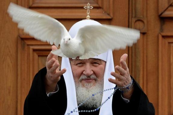 """Патриарх Кирилл назвал любовь """"основополагающим чувством"""""""