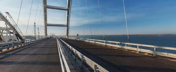 Опубликованы 10 советов, как лучше проехать по Крымскому мосту