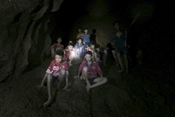Процесс спасения детей из пещеры в Таиланде засекретили