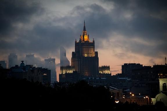 """МИД России считает НАТО """"бесполезным военным блоком"""""""