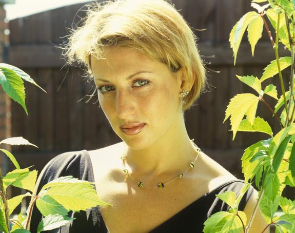 Алика Смехова восхитила поклонников стойкой  на руках в бикини